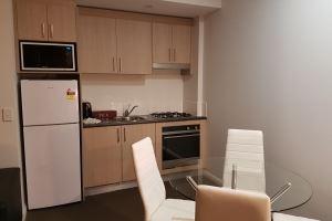 The Kitchenette & Dining Area in the Hamilton Studio.