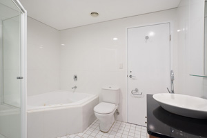The Main Bathroom of the Three Bedroom Apartment at Boulevard Apartments.