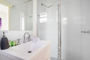 A Bathroom at Mayfield Short Stay Apartments.